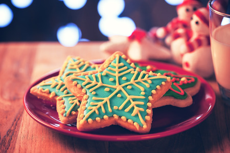 chirstmas: chirstmas snow flake cookies for christmast night snack