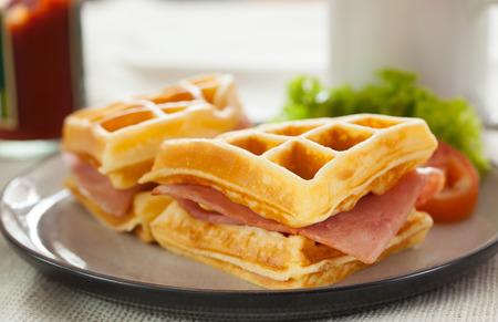 jamon y queso: waffes s�ndwich de queso jam�n