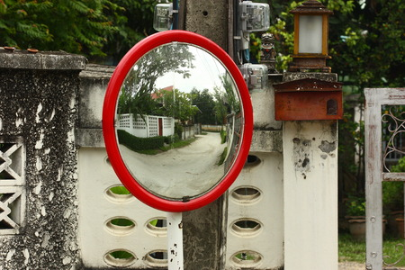 road mirror in city 版權商用圖片