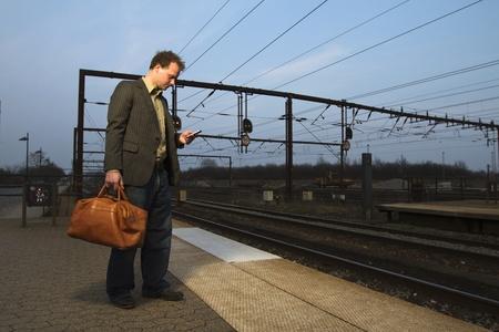 phon: At the train station