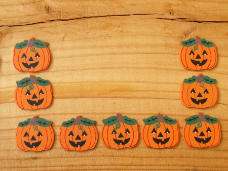 autumnally: pumpkins on a board