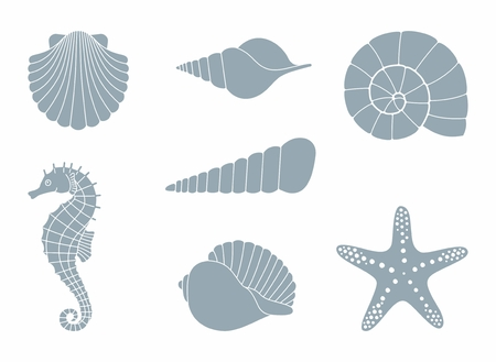 Silhouettes of sea shells, seahorse and starfish Vectores