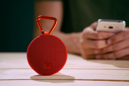 Smart speaker with smart phone 스톡 콘텐츠