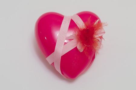 tender sentiment: Valentine heart close-up