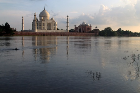 mausoleum: Taj Mahal, Agra, India.