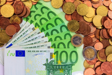 Euro coins and Euro notes Stock Photo - 15520972
