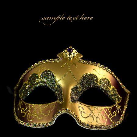 femme masqu�e: Masque de Carnaval sur un fond noir (avec un �chantillon de texte) Banque d'images