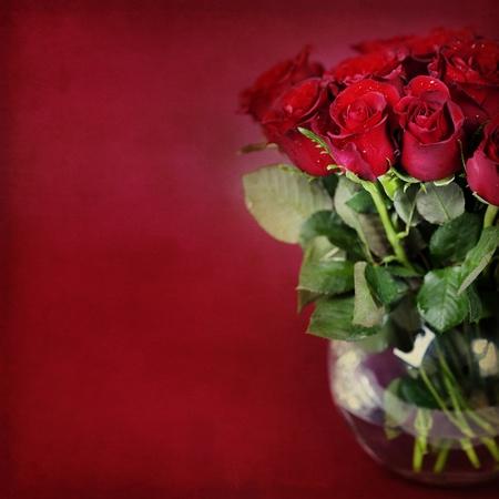 vase: bouquet of red roses in vase