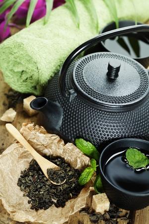 hot asian: азиатский набор чая и спа настройки на деревянной доске