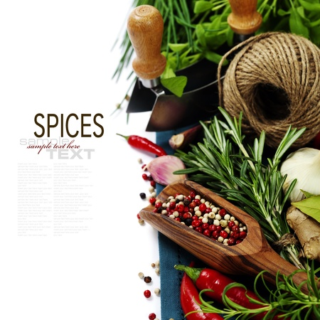 wooden insert: Peppercorn mix in wooden scoop, herbs and spices (with easy removable text)