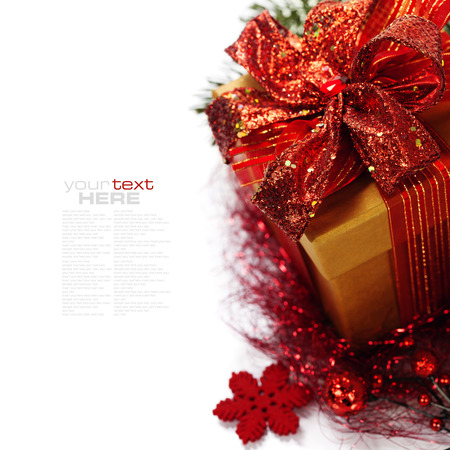 Christmas composition with gift box and decorations (with easy removable sample text) Imagens - 23302132