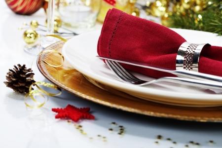 Cubierto de mesa de Navidad con adornos navideños Foto de archivo - 23382771