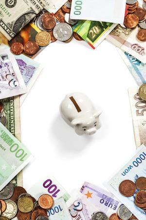 Monedas y billetes extranjeros marco. Fondo del dinero photo
