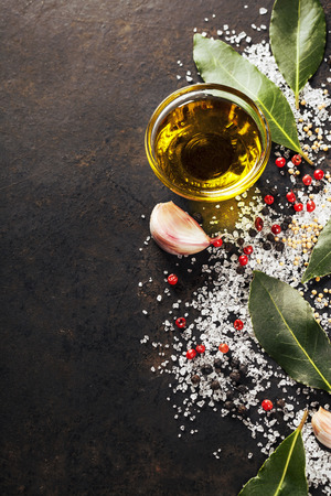 aceite de cocina: Hierbas y especias selecci�n, de cerca Foto de archivo