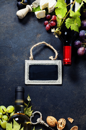 des vins: Food background with Wine, cheese and Grape.