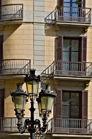 Facade of a house and a street lamp Banque d'images