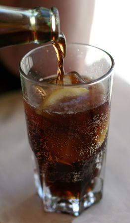 Cola jest wylana Zdjęcie Seryjne