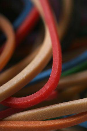 rubberband: Close-up de la banda de goma el�stica - perfecto para los negocios o el uso de oficina