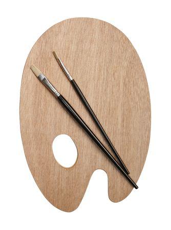 Künstler-Palette und Pinsel isoliert auf weiß mit Clipping-Pfad