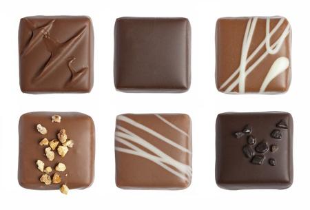 白い背景で隔離の手作り高級チョコレート 写真素材