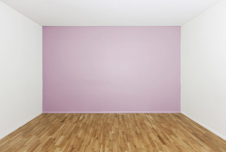 Girls bedroom with no furniture photo