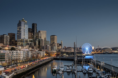 seattle skyline: Seattle - beautiful waterfront at dusk