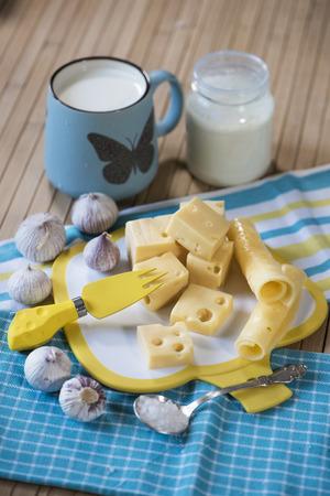 sour cream: Cheese, garlic, milk and sour cream