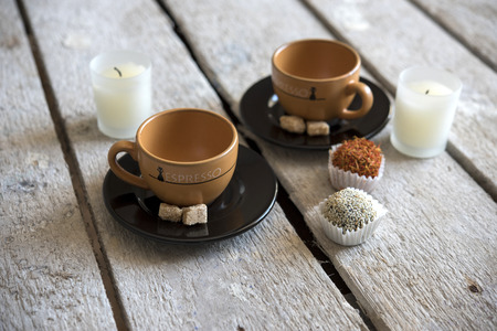bougie coeur: Coffee Cup with cookies and sweets