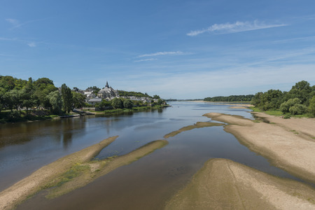 sandbank: The village Candens Saint Martin and the Loire in France.