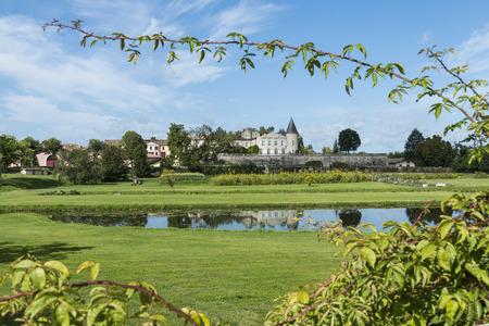 Chateau Lafite-Rothschild met Tuin in Saint-Estephe Medoc Frankrijk. Stockfoto