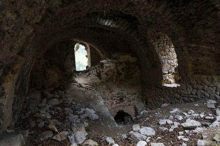 Vazelon, Turkey - May 6, 2019: Destoyed and abandoned monastery of Vazelon in the mountains of Turkey. Redactioneel