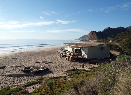 A lifeguard office building on a California Public Beach. Stock Photo - 4560250