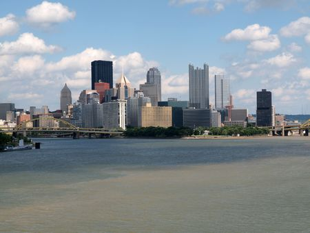 ohio: Pittsburgh Pennsylvania river view and skyline on a bright clear day.