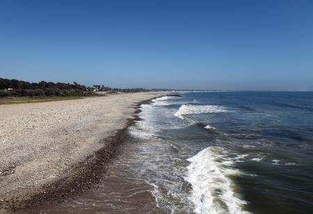 Ventura California's peaceful coast line and rolling surf. Stock Photo - 6879399