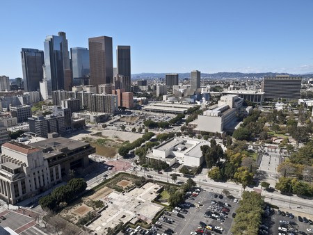 Los Angeles on a rare smog-less winter day.   Stock Photo - 7044214