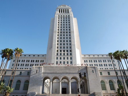 the center of the city: Los Angeles City Hall - entrada de la calle de la primavera.