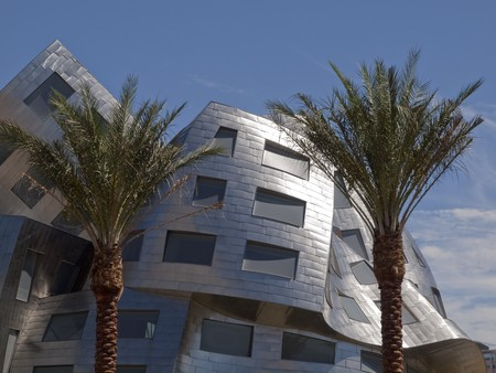 LAS VEGAS NEVADA - SEPTEMBER 12:  Modernist architect Frank Gehry's new creation  Stock Photo - 7798077