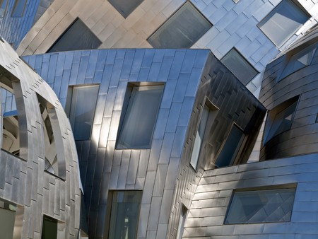 LAS VEGAS NEVADA - SEPTEMBER 12:  Modernist architect Frank Gehry's new creation  Stock Photo - 7798079