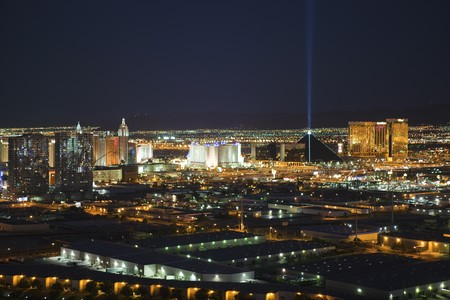 LAS VEGAS NEVADA - SEPTEMBER 13:  Exciting theme resorts compete for attention in the desert night.  Early evening in Las Vegas Nevada on September 13, 2010. Stock Photo - 7798280