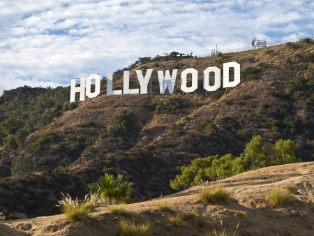 헐리우드 캘리포니아 -9 월 29 일 : 휴 Hefner 할리우드 서명 신뢰에 돈을 기부 하 고 개발, 2010 년 9 월 29 일 로스 앤젤레스, 캘리포니아에서 서명 뒤에 138  에디토리얼