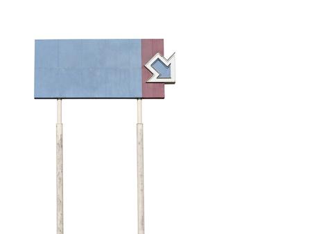 towering: Signo de flecha desapareci�, abandonados, imponentes, en blanco. Foto de archivo