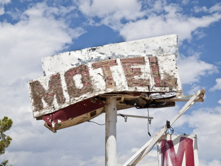 Route 66 Mojave desert motel sign ruin in southern California  Stock Photo - 15070968