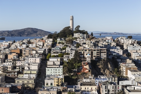 telegraph hill: SAN FRANCISCO, CALIFORNIA - JAN 13:  Editorial view of San Franciscos historic Coit Tower park.