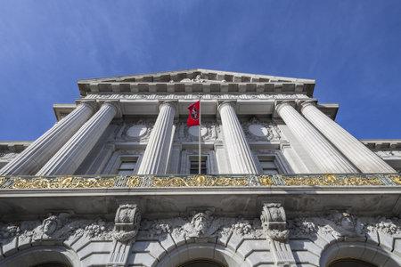 SAN FRANCISCO, CALIFORNIA - JAN 14:  Historic City Hall.  The city Stock Photo - 18018451