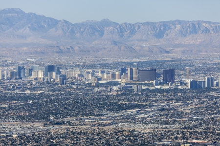 Editorial view of the Las Vegas strip and Red Rock Canyon Mational Conservation Area. Stock Photo - 23003305