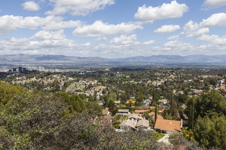san fernando valley: Clear spring day overlooking Woodland Hills in the City of Los Angeless San Fernando Valley.