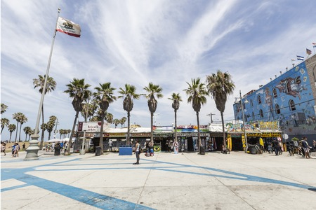 Editorial view of funky Windward Plaza at Venice Beach in Los Angeles, California.   Redactioneel