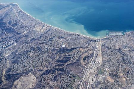 デイナ ポイント カリフォルニアの海岸線は空中。