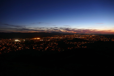 valley view: Los Angeles, California Simi Valley suburb at night.