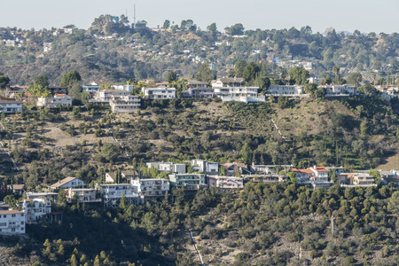 hollywood hills: Righe di case canyon a Hollywood Hills sopra Los Angeles, California.